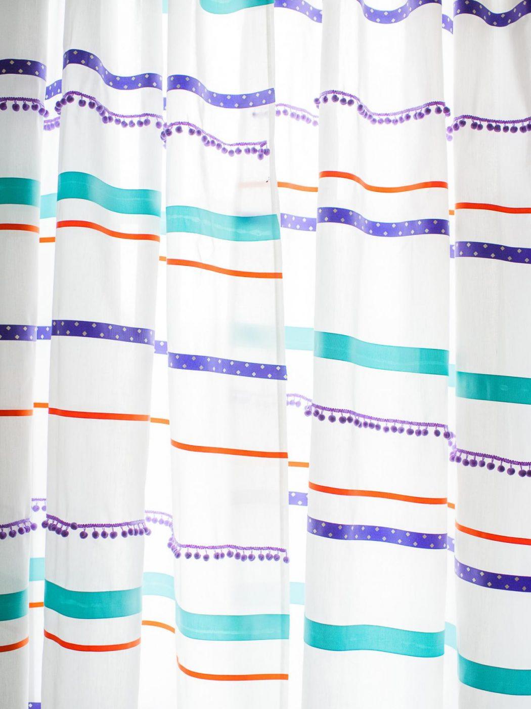 Ribbon-Glued-Curtain4 37+ Creative Curtains Design Ideas To DIY