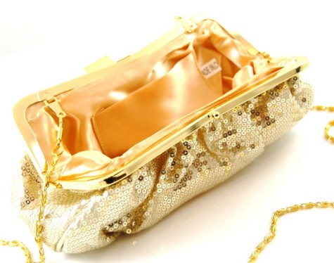 Stella-McCartney-golden-handbag-475x374 Stop Here ! Know How To Select The Best Golden And Silver Jewelry For Different Occasions ?
