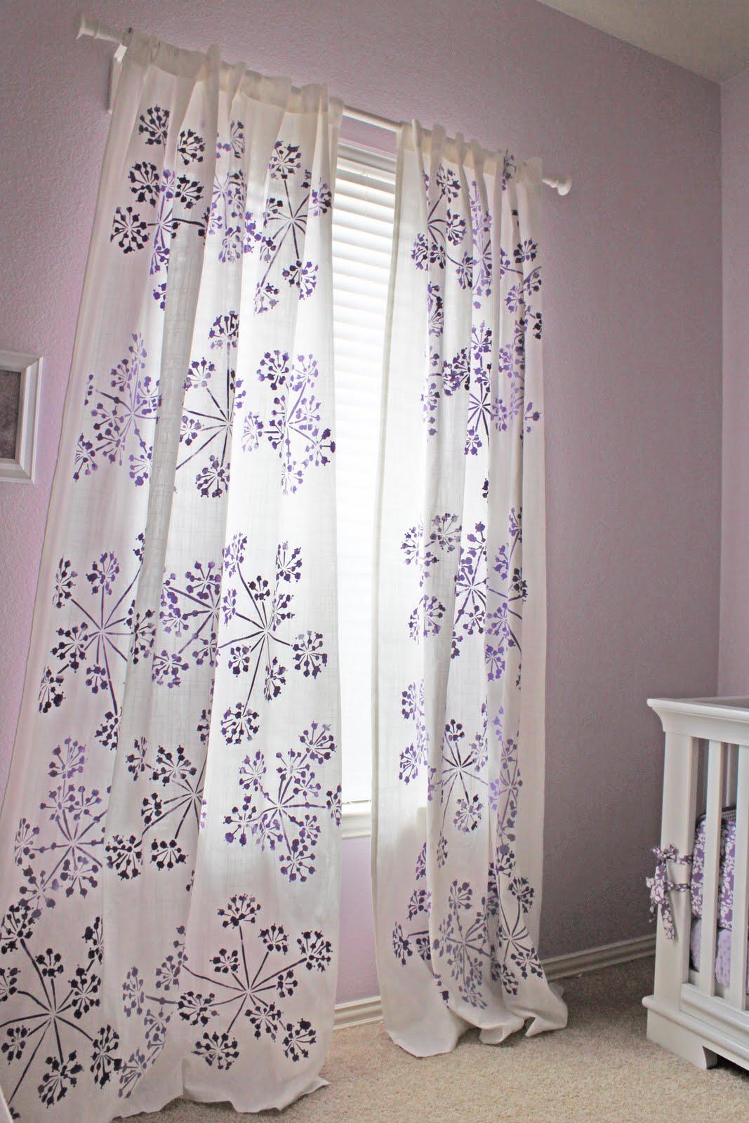 Stenciled-Curtains3 37+ Creative Curtains Design Ideas To DIY