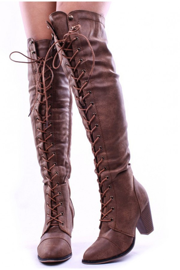 Up-To-The-Knees-Boots5 Top 10 Most Stylish Boot Trends