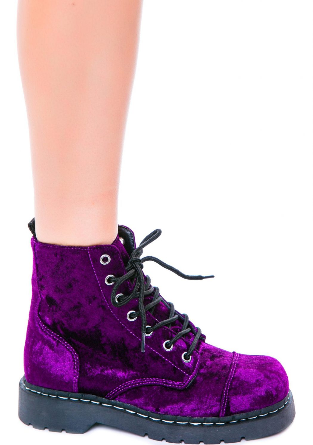 Velvet-Boots1 Top 10 Most Stylish Boot Trends