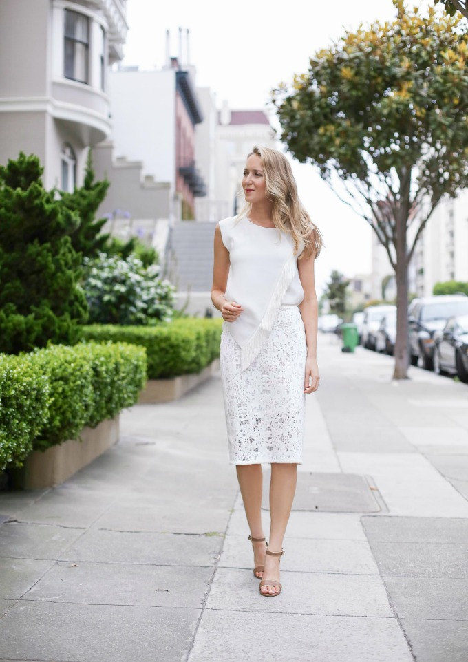 White-Blouse-and-Skirt1 20+ Hottest White Party Outfits Ideas for Women in 2020