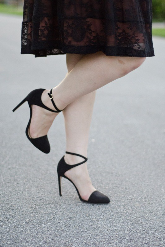ankle-straps-2 28+ Catchiest Women's Shoe Trends to Expect in 2021