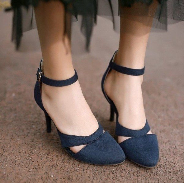 ankle-straps-5 28+ Catchiest Women's Shoe Trends to Expect in 2021