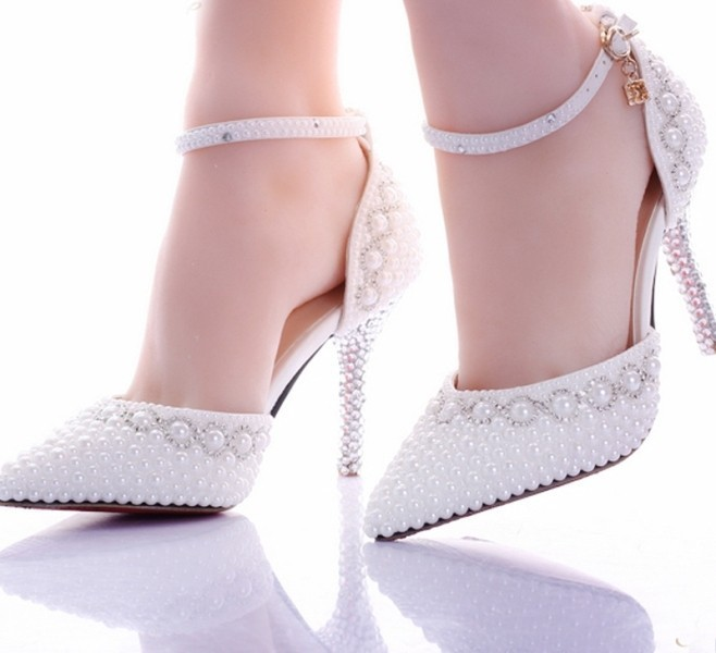 ankle-straps-7 28+ Catchiest Women's Shoe Trends to Expect in 2020