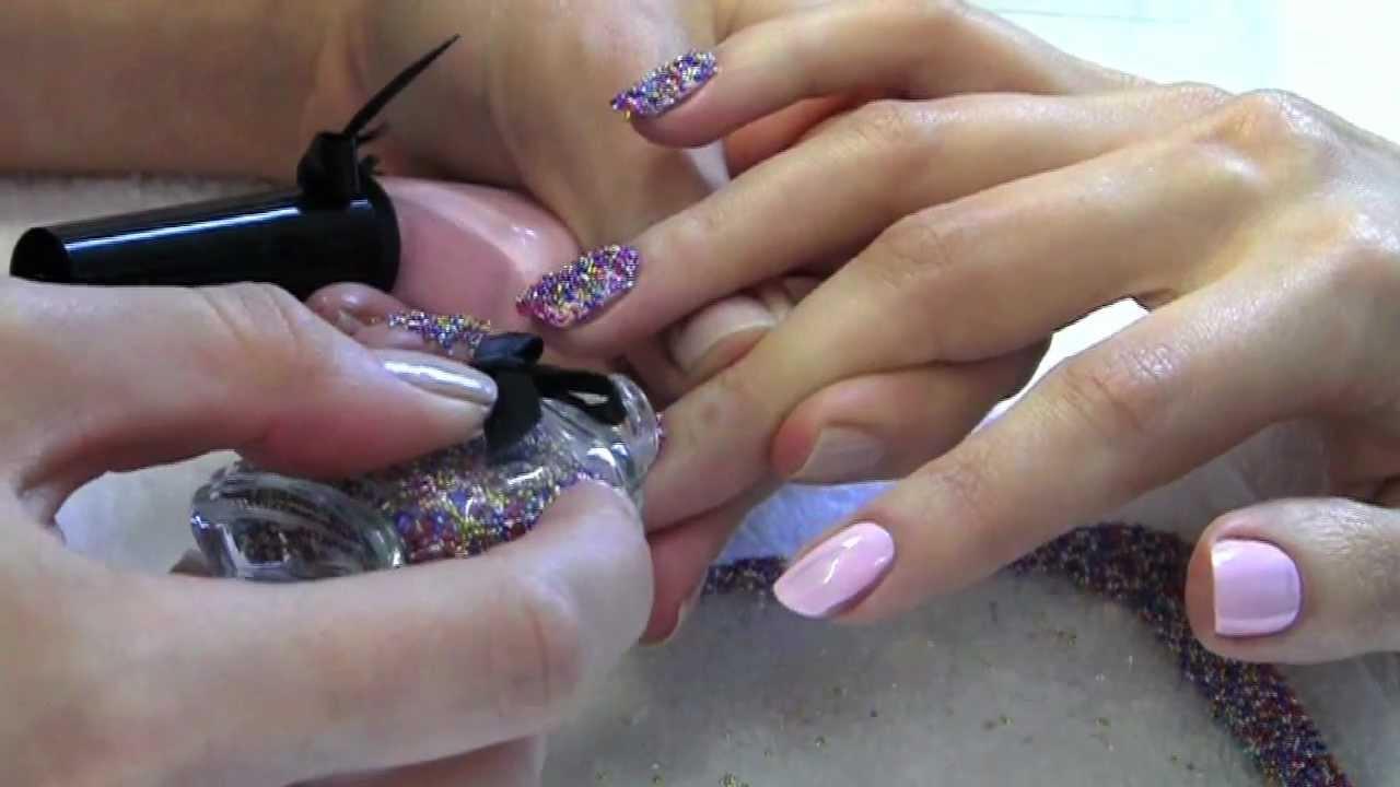 applying-caviar-nail-polish1 The Main Caviar Manicure Creative Way to Apply in 2018