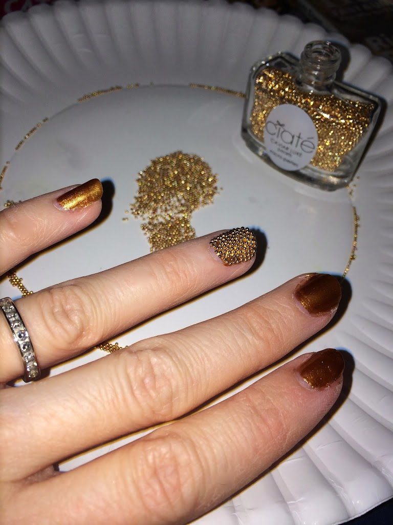 applying-caviar-nail-polish2 +15 Hottest Caviar Manicure Creative Ideas to Apply in 2020