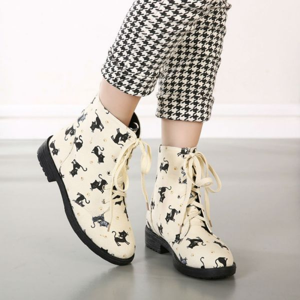 catchy-prints-5 24+ Most Stylish Boot Trends for Women in 2020