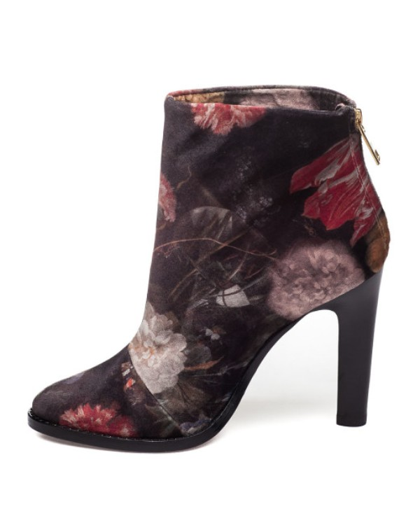 catchy-prints 24+ Most Stylish Boot Trends for Women in 2020