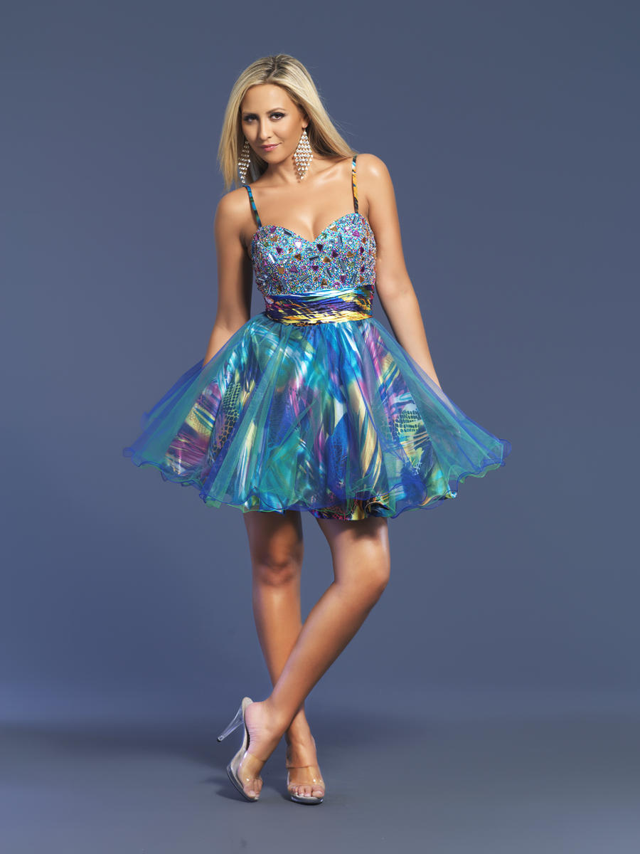 colorful-short-dresses-1 25+ Women Engagement Outfit Ideas Coming in 2020