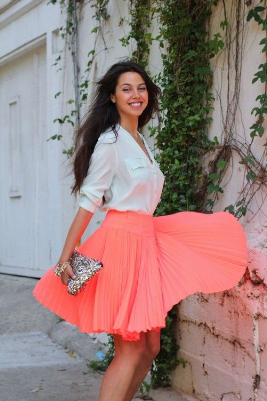 coral-and-tangerine-outfits-4 15 Hottest Fashion Color Trends You'll Love in 2019
