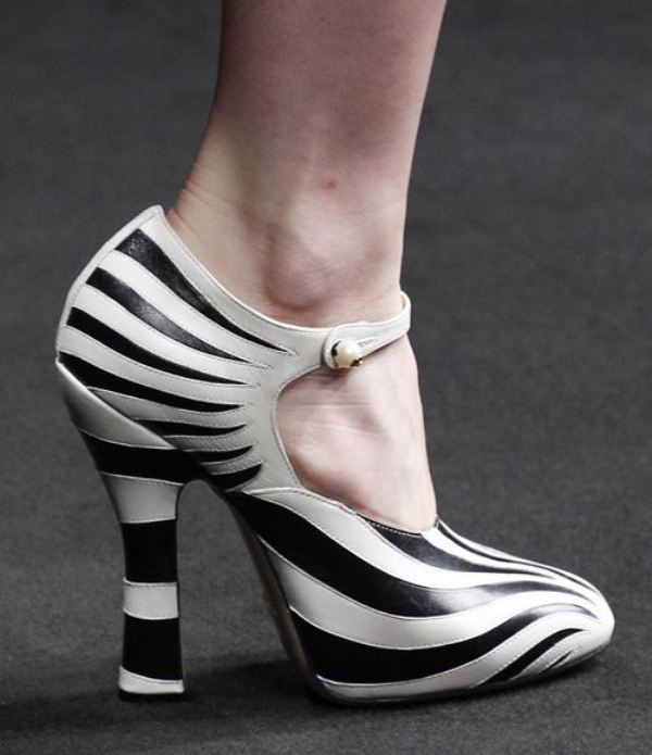 dual-tones-2 28+ Catchiest Women's Shoe Trends to Expect in 2018