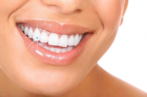 fc452b_64694de02eb8d47e8b391b8ef2d516af.jpg_1024 45 Amazing Teeth Jewelry Pieces For Extra Beauty