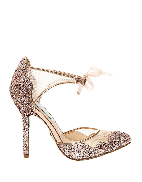 glitter-shoes-2 28+ Catchiest Women's Shoe Trends to Expect in 2018