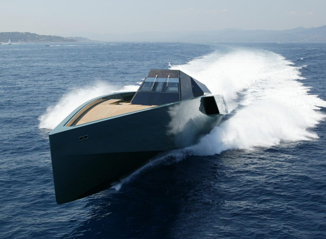 image_01 Top 10 Craziest Future Boat Designs