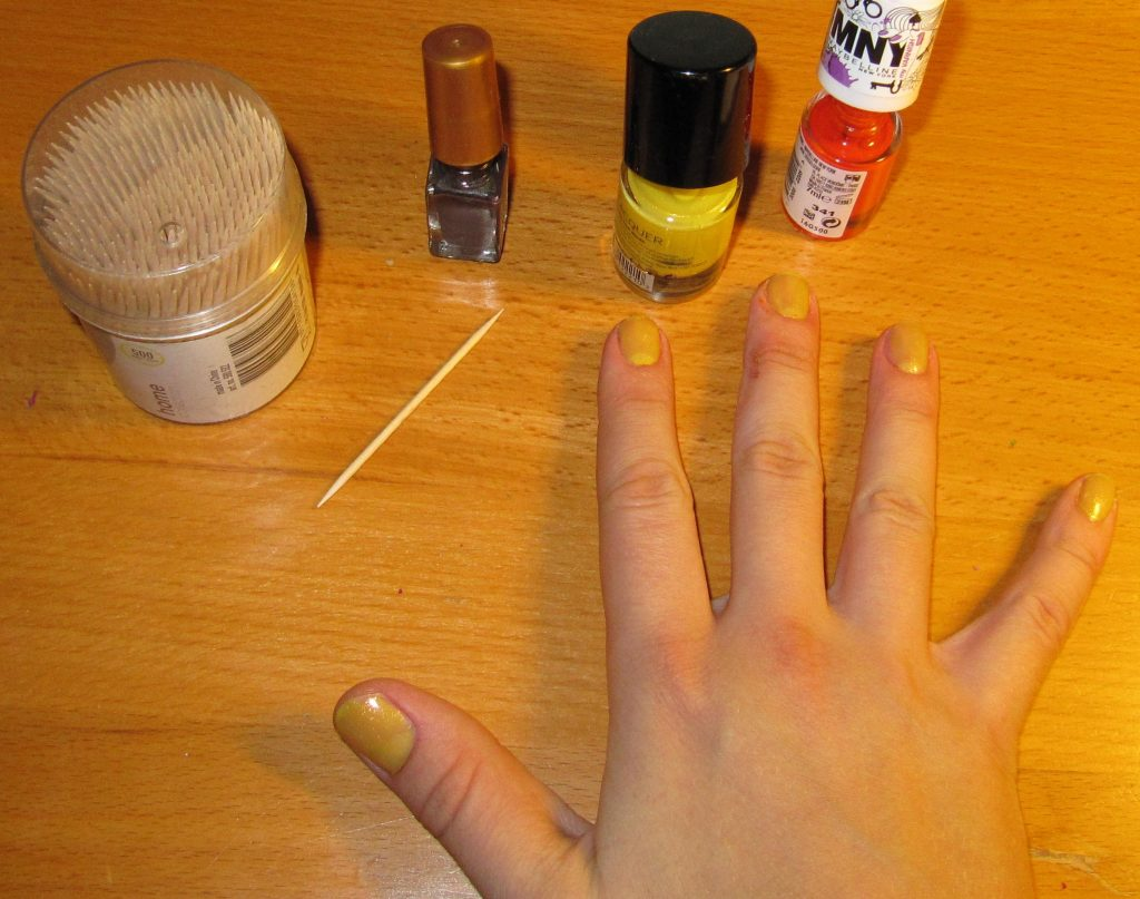 img_1812 36 Easiest Feather Nail Art Designs