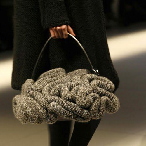 jun Top 10 Unusual Handbags That Are in Fashion