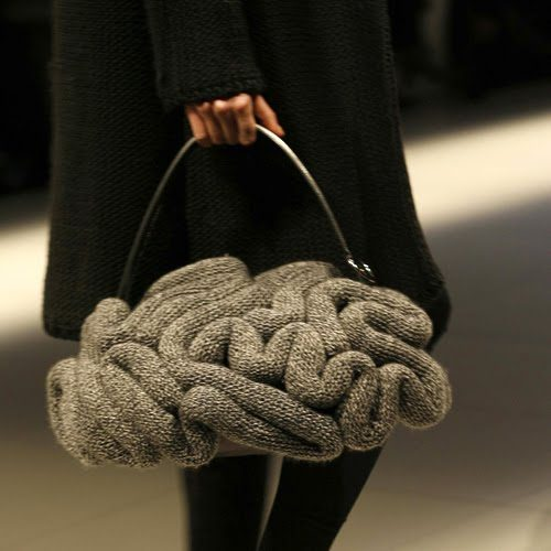 jun Top 10 Unusual Handbags That Are in Fashion