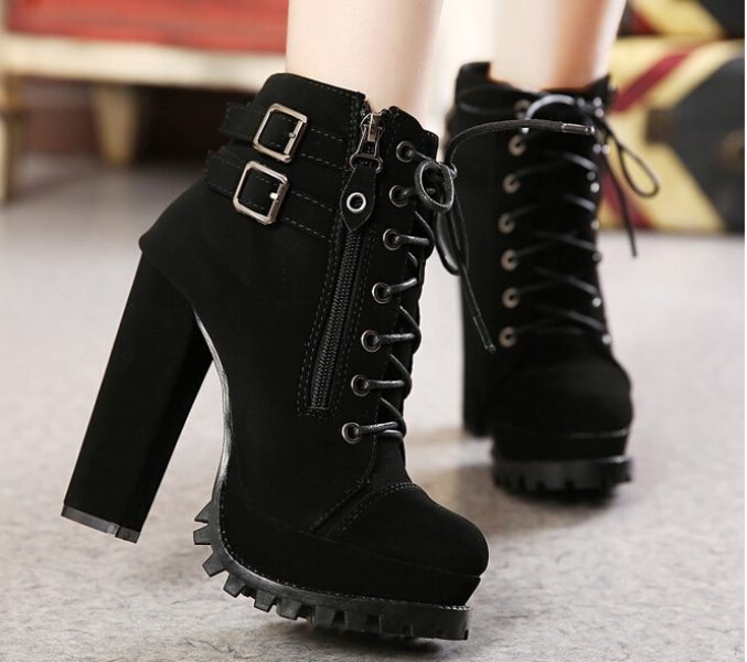 lace-up-boots-5 24+ Most Stylish Boot Trends for Women in 2020