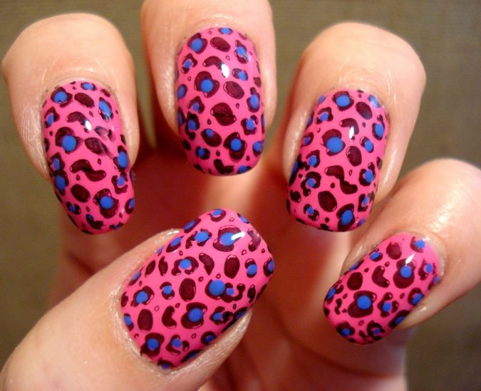 leopard-print-wild-nail-idea-2-675x549 6 Most Stylish Leopard and Cheetah Nail Designs