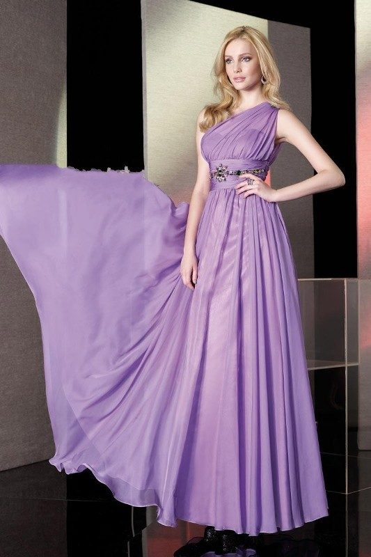 lilac-color-2 15 Hottest Fashion Color Trends You'll Love in 2019