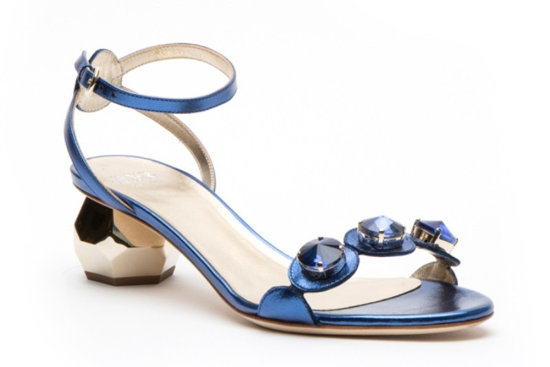 low-or-kitten-heels-3 28 Catchiest Women's Shoe Trends to Expect in 2017