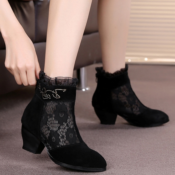 mesh-boots-5 24+ Most Stylish Boot Trends for Women in 2020