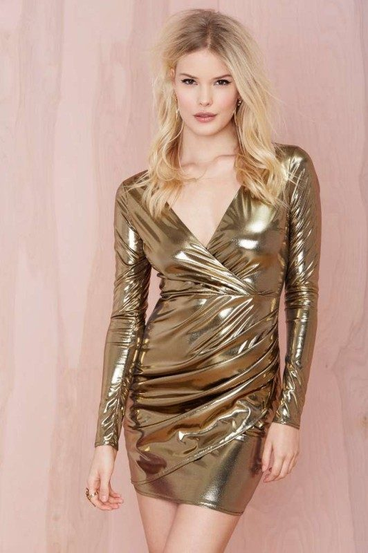 metallic-look-1 36+ Hottest Fashion Trends You Need to Know for 2020