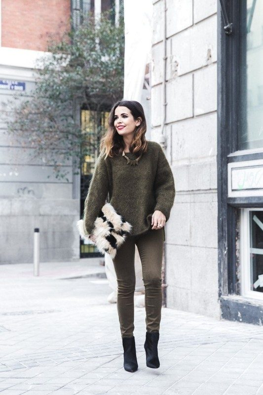 olive-green-and-khaki-outfits-8 15 Hottest Fashion Color Trends You'll Love in 2019