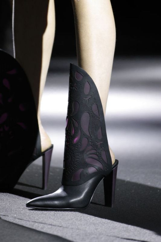 pointy-toes-3-1 24+ Most Stylish Boot Trends for Women in 2020