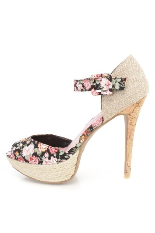 printed-shoes-1 28+ Catchiest Women's Shoe Trends to Expect in 2021