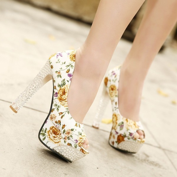printed-shoes-3 28 Catchiest Women's Shoe Trends to Expect in 2017