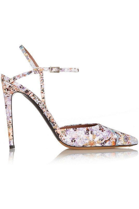 printed-shoes 28+ Catchiest Women's Shoe Trends to Expect in 2021