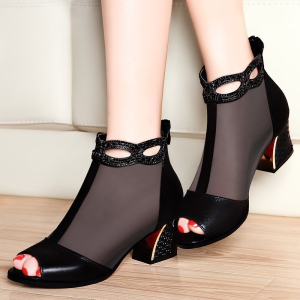 square-heels-1 28 Catchiest Women's Shoe Trends to Expect in 2017