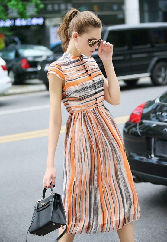 stripes-8 14 Latest Print Trends for Women in 2017