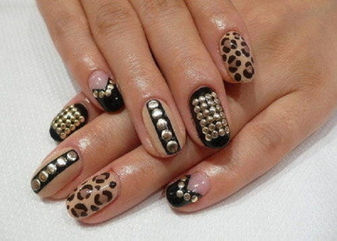 stud-675x482 6 Most Stylish Leopard and Cheetah Nail Designs