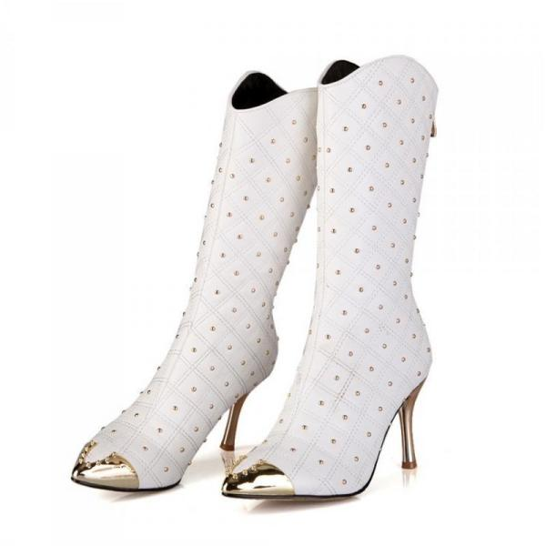 studded-boots-2 24+ Most Stylish Boot Trends for Women in 2020