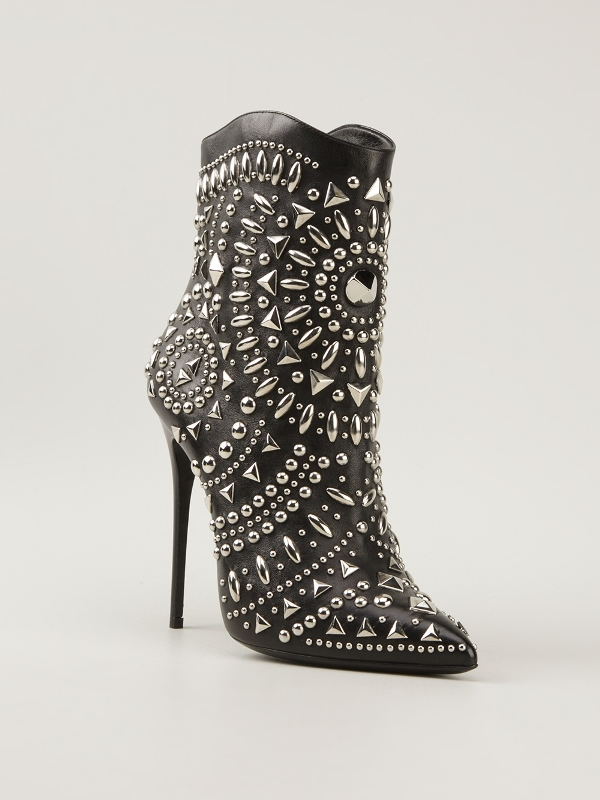 studded-boots-3 24+ Most Stylish Boot Trends for Women in 2020