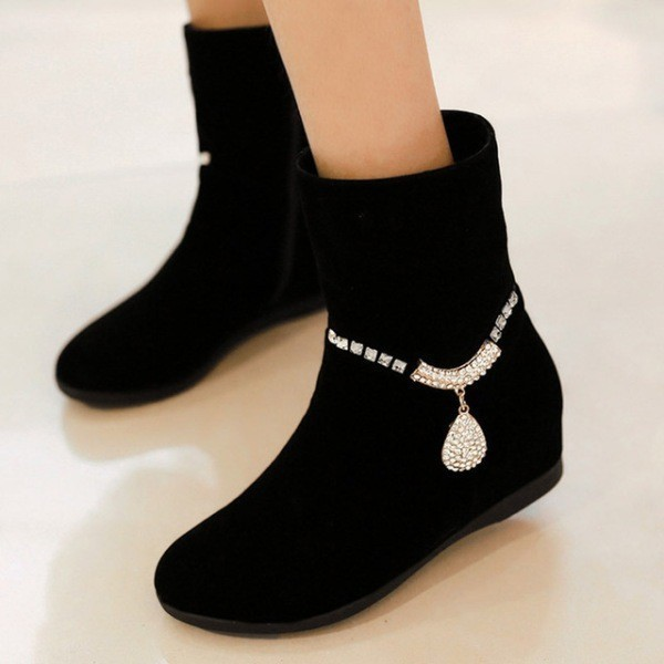 suede-shoes-5 28+ Catchiest Women's Shoe Trends to Expect in 2020