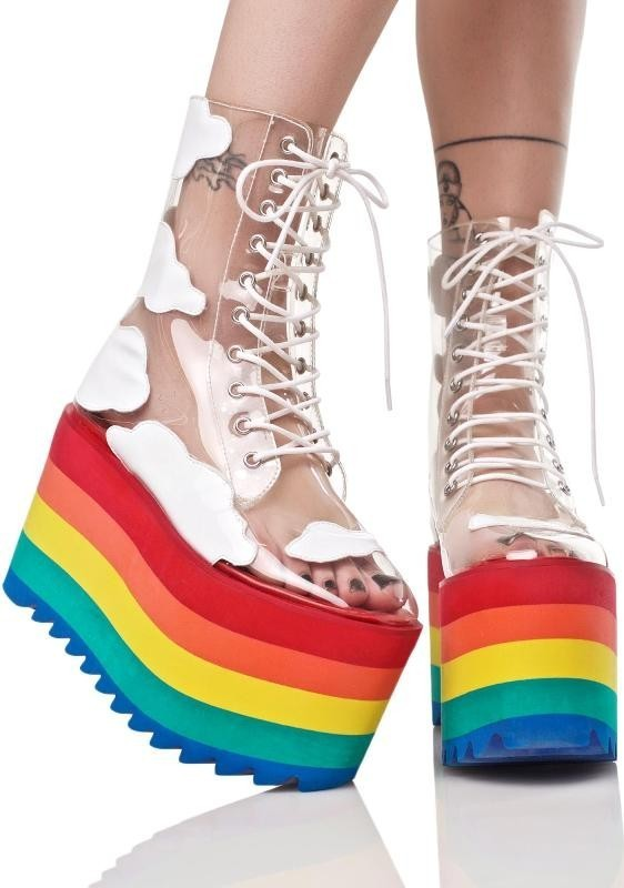 super-high-platforms-1 28+ Catchiest Women's Shoe Trends to Expect in 2021