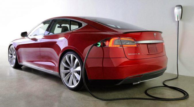 tesla-motors-model-s-1-sanny-blogs-675x375 Future Car Designs That Will Blow Your Mind