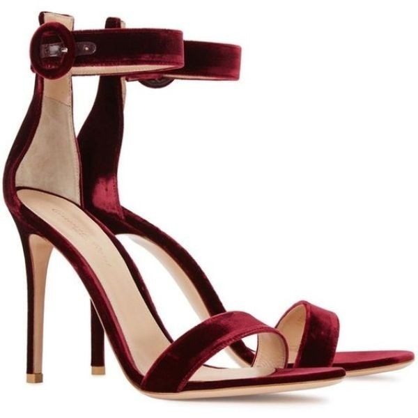 velvet-shoes-3 28+ Catchiest Women's Shoe Trends to Expect in 2021