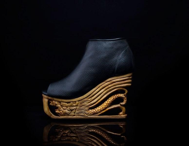 wooden-heels-2 28 Catchiest Women's Shoe Trends to Expect in 2017
