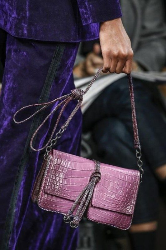 baguette-handbags-5 26+ Awesome Handbag Trends for Women in 2020