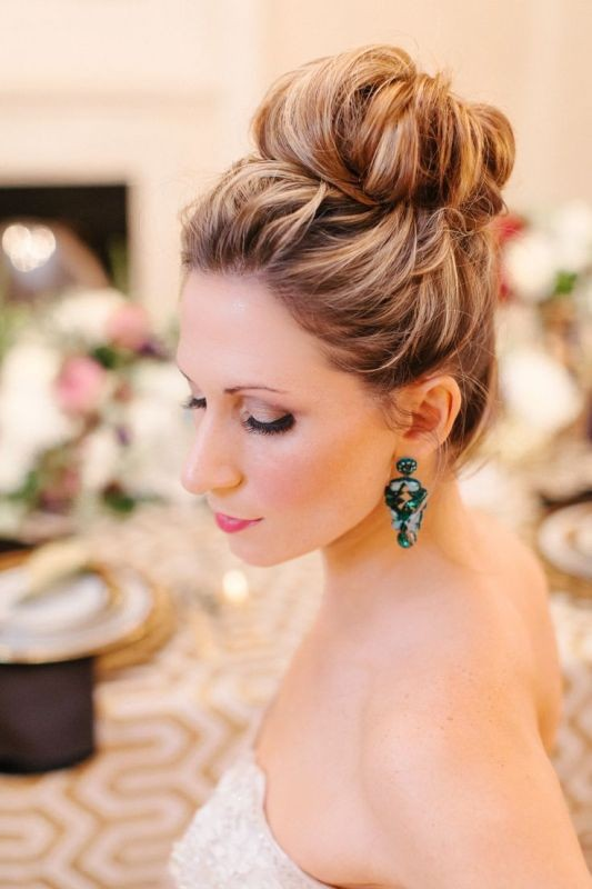ballerina-buns-3 11 Tips on Mixing Antique and Modern Décor Styles