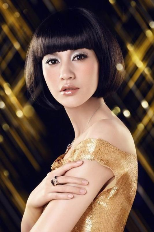 bangs-2 20+ Hottest Haircuts & Hairstyles for Women in 2020