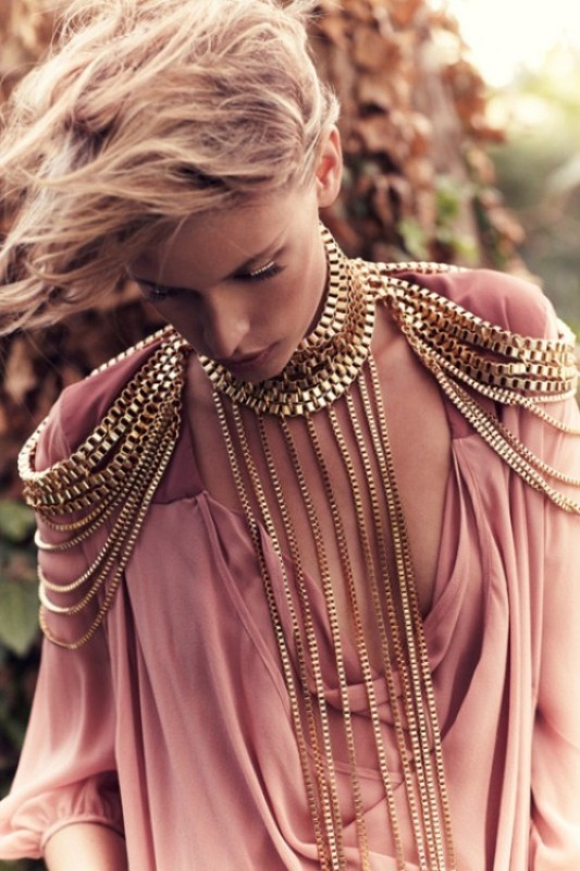 body-jewelry-2 23 Most Breathtaking Jewelry Trends in 2017
