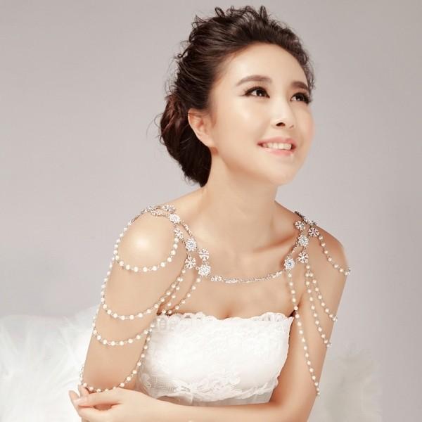 body-jewelry-4 23+ Most Breathtaking Jewelry Trends in 2020