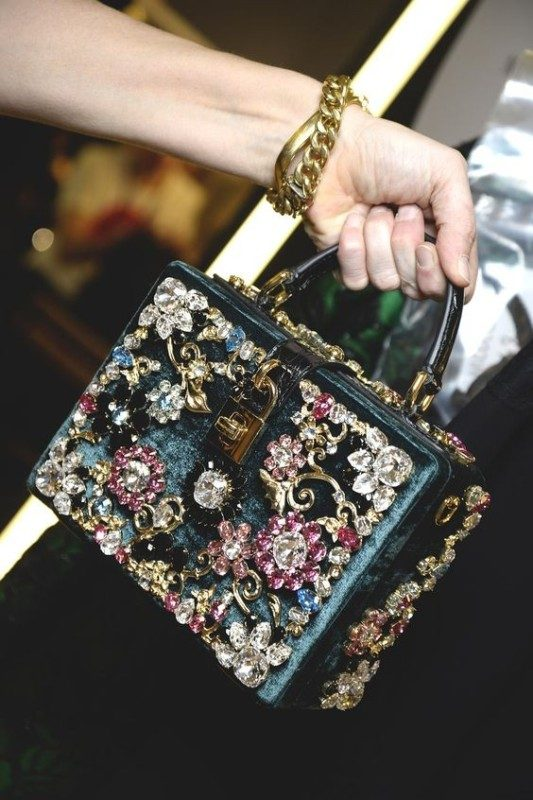 boxy-handbags-1 26+ Awesome Handbag Trends for Women in 2020
