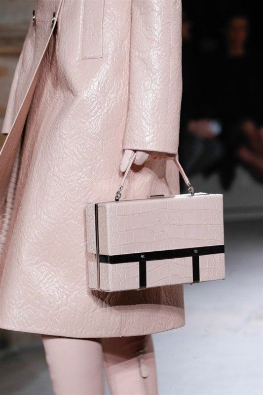 boxy-handbags-2 26+ Awesome Handbag Trends for Women in 2018